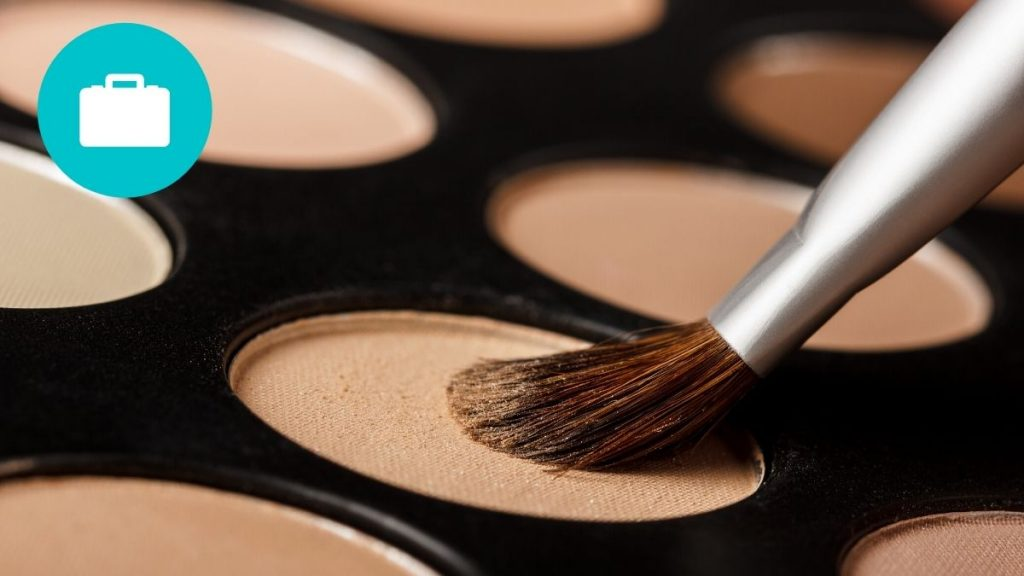 how to pack an eyeshadow palette for travel